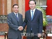 越南国家主席陈大光会见老挝国家主席办公厅主任蓬塔迪