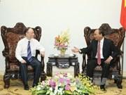 阮春福总理会见中国晶澳太阳能有限公司董事长靳保芳