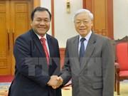 越共中央总书记阮富仲会见柬埔寨驻越南大使