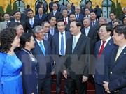 国家主席陈大光会见越南驻外代表机构首长
