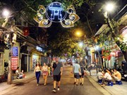 越南河内市与法国图卢兹市合作关系20周年展在河内举行