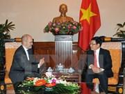 越南政府副总理兼外长范平明会见美国客人
