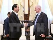 越南国家主席陈大光会见美国布朗大学教授