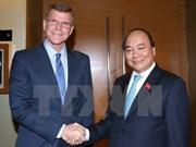 越南政府总理阮春福会见亚行副行长格罗夫