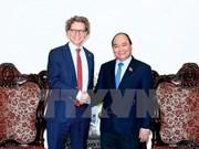 越南政府总理阮春福会见瑞典驻越大使