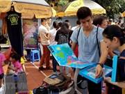独特的外国人集市在河内举行(组图)