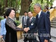 国会主席阮氏金银同美总统奥巴马参观设在主席府的胡志明主席遗迹区(组图)