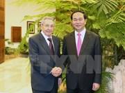 陈大光主席与劳尔·卡斯特罗主席举行会谈