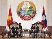 越共中央总书记阮富仲会见老挝总理通伦·西苏里