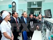 阮春福总理与越南航海医学院领导举行工作会议
