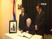 越南领导人吊唁古巴革命领袖菲德尔•卡斯特罗逝世