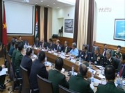 越南国防部部长吴春历大将对印度进行访问