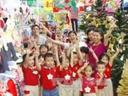 圣诞将至  越南多地沉浸节日氛围(组图)