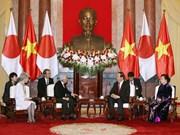 越南领导人陆续会见来访的日本天皇明仁和皇后(组图)
