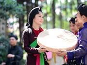 官贺艺术进校园    有利于弘扬传统文化价值