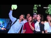 越南年轻人欢度万圣节