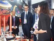 明隆陶瓷器在APEC领导人会议周亮相(组图)