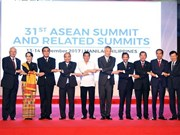 政府总理阮春福出席第31届东盟峰会系列活动