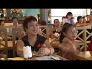 日本著名魔术师为越南儿童们带来惊喜