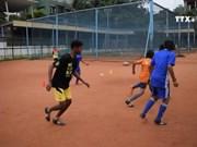 """4名越南青少年赴莫斯科参加 """"希望足球""""活动"""