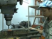 越南面向推迟退休年龄和增加加班时间
