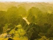 美如仙境的三谷秋天景观 (组图)