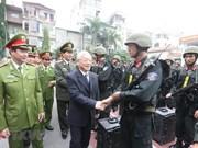 """确保社会秩序安全、守护好人民群众的平安生活的""""铁盾""""(组图)"""