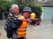 越南中部遭洪涝灾害 岘港、顺化等市多地被淹(组图)