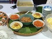 越南美食让国际记者兴趣盎然