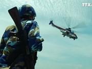 越南战士干部为DK1 海上高脚屋奠定基石
