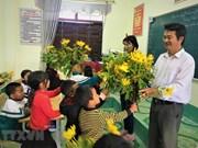 组图:肩负着教育和抚养学生职责的莱州省边境地区教师