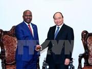 越南政府总理阮春福会见莫桑比克内政部部长