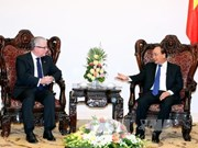 越南政府总理阮春福会见澳大利亚驻越大使克雷格•奇蒂克