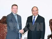 越南政府总理阮春福会见法国新任驻越大使