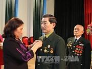 越南山罗省援老干部和志愿军荣获老挝国家勋章