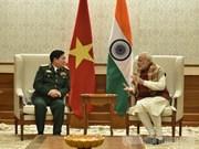 印度总理纳伦德拉·莫迪会见越南国防部部长吴春历
