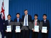 澳大利亚数学竞赛:澳驻越大使向取得优异成绩的越南学生颁奖