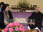越南国会主席阮氏金银与印度联邦院议长哈米德•安萨里举行会晤