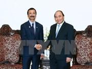 阮春福总理会见阿联酋迪拜世界港口集团董事长苏莱姆
