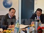 越南与瑞士交换安全管理经验