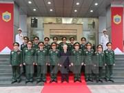 越共中央总书记阮富仲访问国防部第二总局