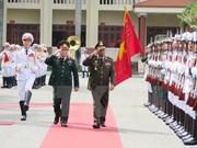 越南国防部长吴春历与柬埔寨国防大臣迪拜举行会谈