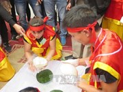 海阳省第八届包粽子与打糍粑比赛热闹开赛