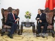 越南政府常务副总理张和平会见新加坡最高法院首席大法官梅达顺