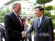 胡志明市领导会见英国国际贸易大臣