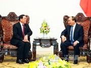 越南政府总理阮春福会见老挝公共工程与运输部长