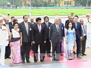 斯里兰卡总理圆满结束对越正式访问