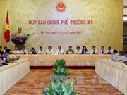 越南政府4月份例行记者会就舆论关注的问题进行解答