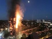 英国伦敦高层住宅突发大火事故:尚无越南人伤亡报告