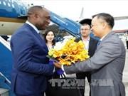 海地参议长尤里•拉托尔蒂抵达河内开始对越南进行正式访问